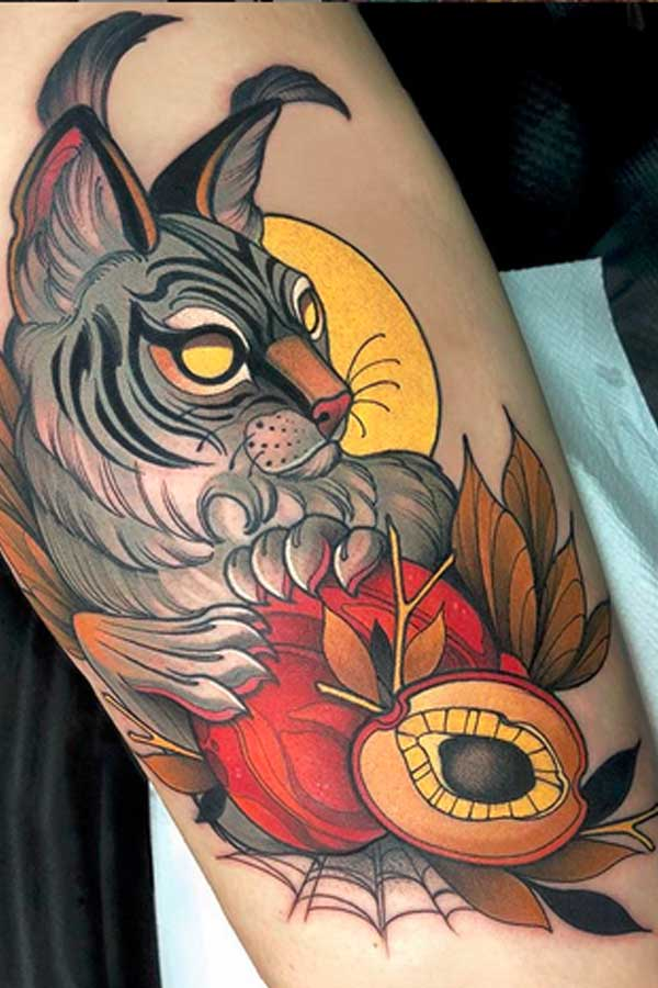 Neo traditional colour cat tattoo by VINNI MATTOS TATTOO